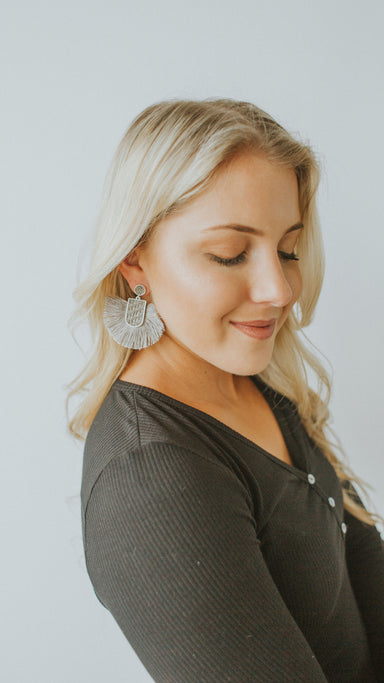Raffia Wedge Fan Tassel Earrings - Gray