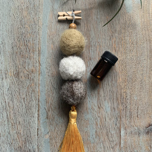 Natural Felted Wool Aromatherapy Diffuser with Gold Tassel