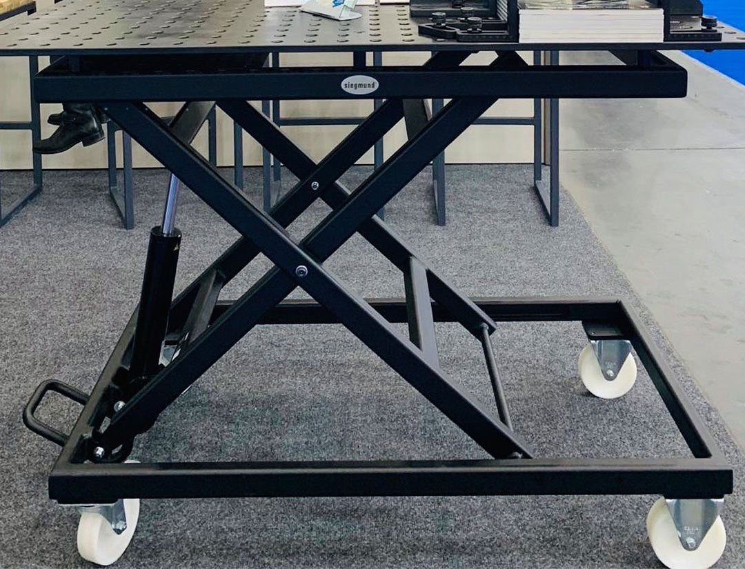 2-HT804004.X7: Siegmund 1200x800mm System 28 Mobile Lifting Weld Table