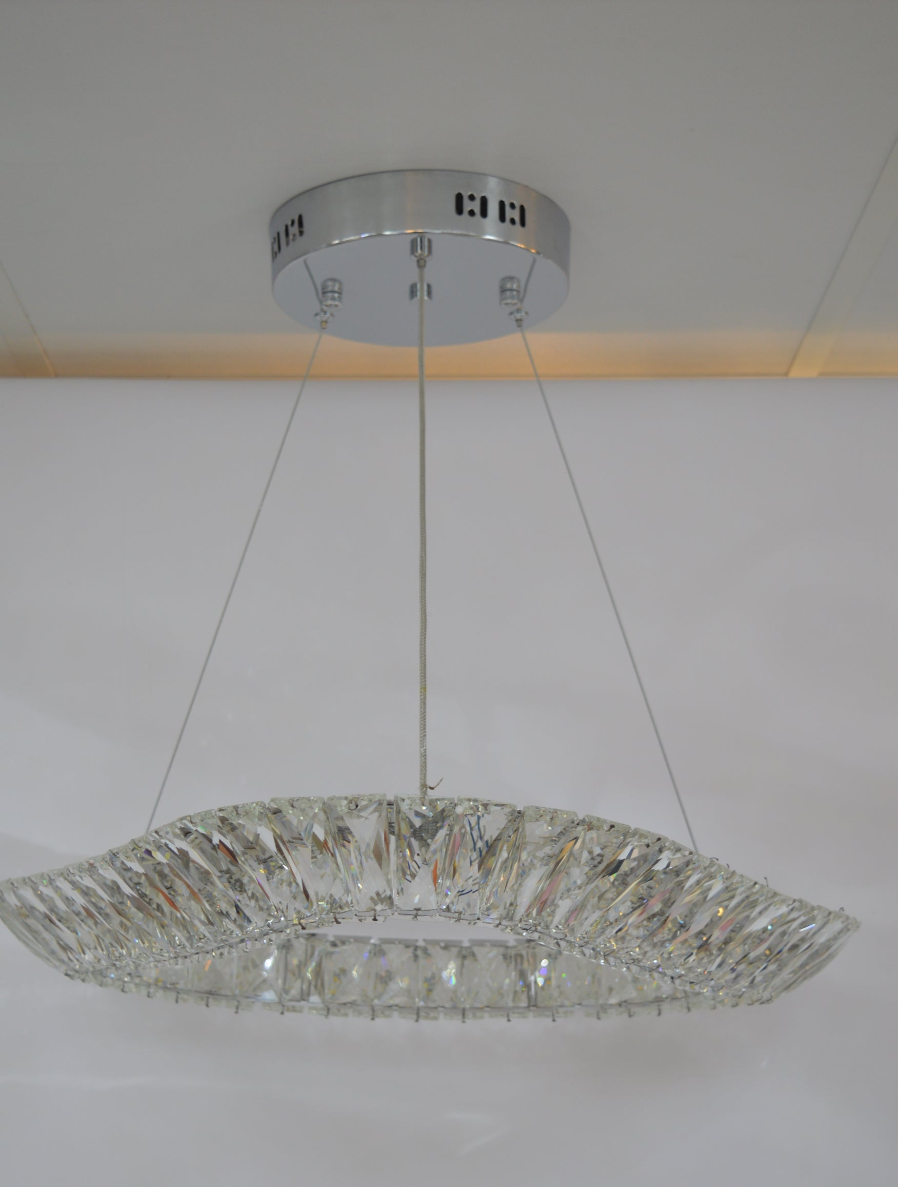Triangular crystallic thin metal frame LED incorporated light [8351-550]