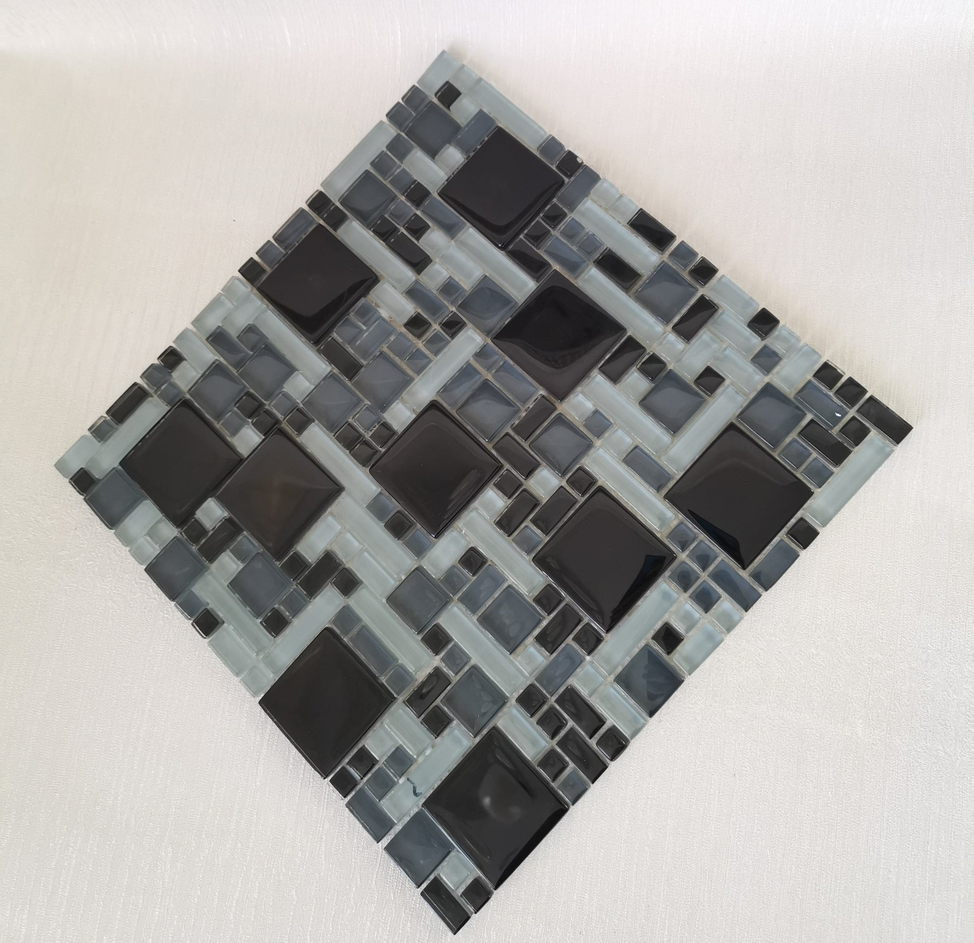 Black & Olive Geometric Mosaic Tile