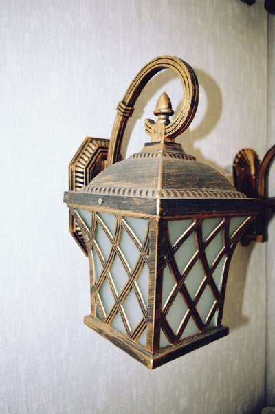 Vintage-looking Wall Mounted Lighting