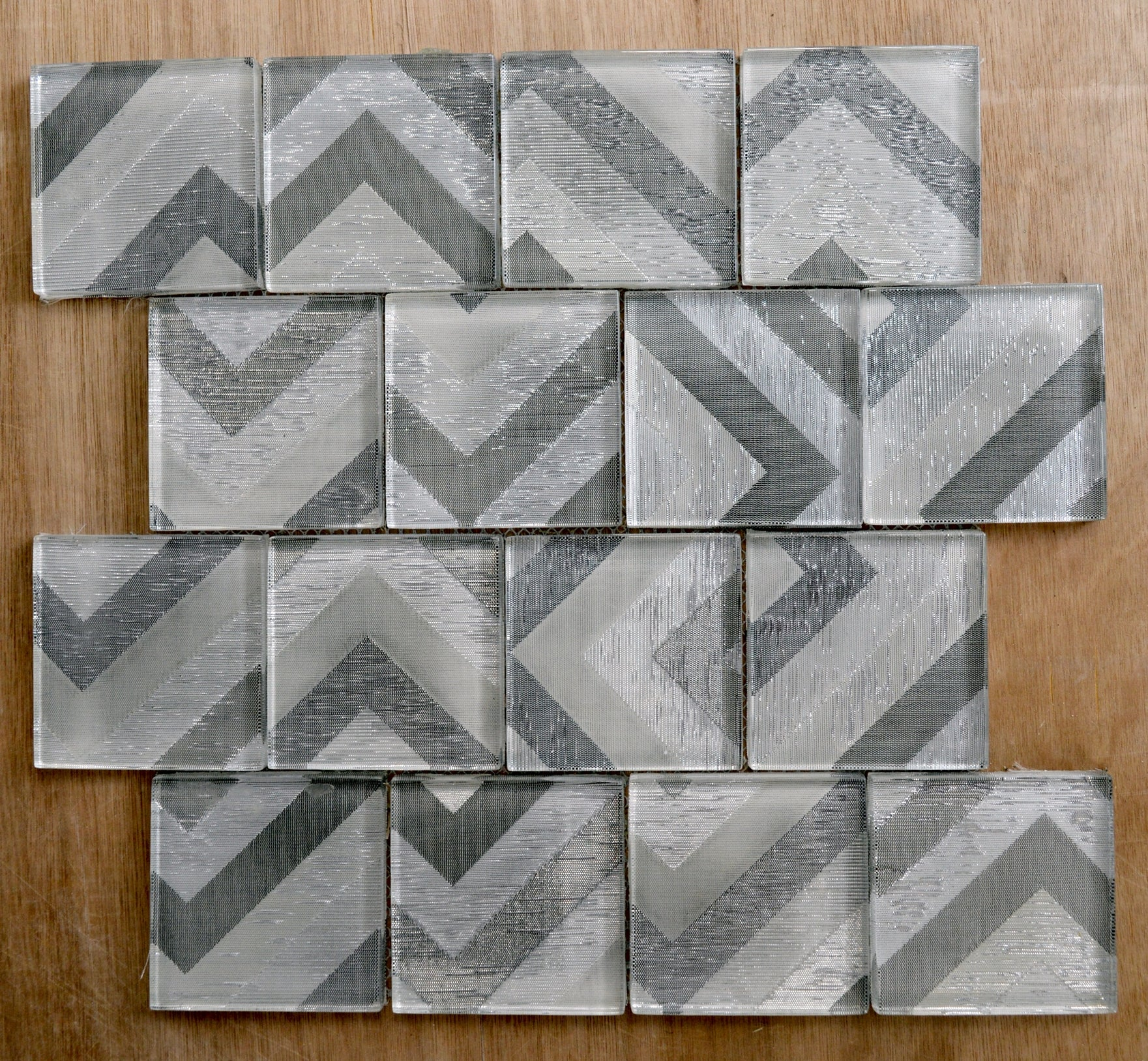 Modern playful silver arrows glass mosaic tiles | 1 sheet 30 cm x 30 cm | 11 sheets 1sqm