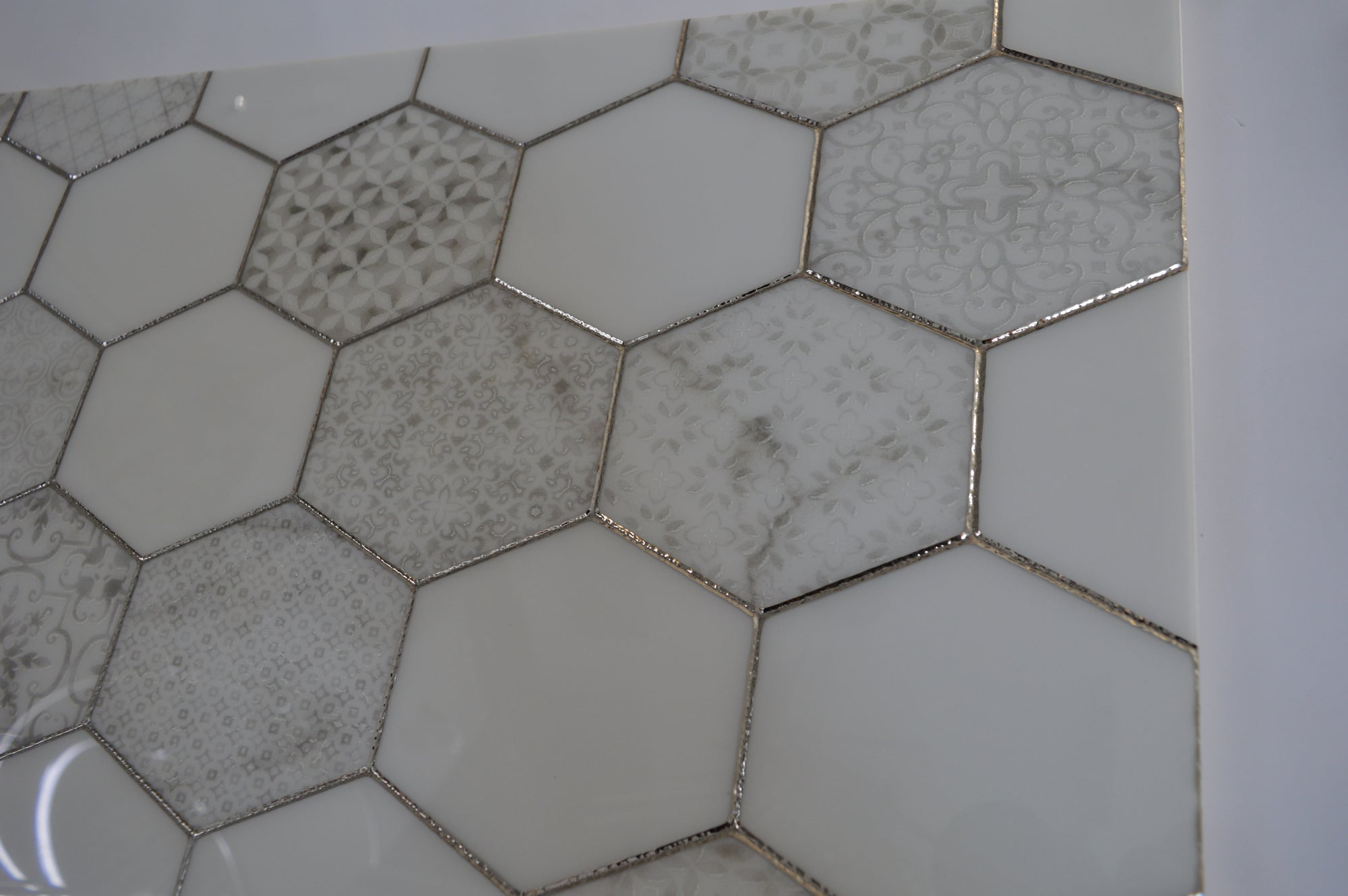 Porcleain Decor Tiles in HEX Greyscale with golden trim | 1 sheet 60 x 30 cm | 6 tiles 1 sqm