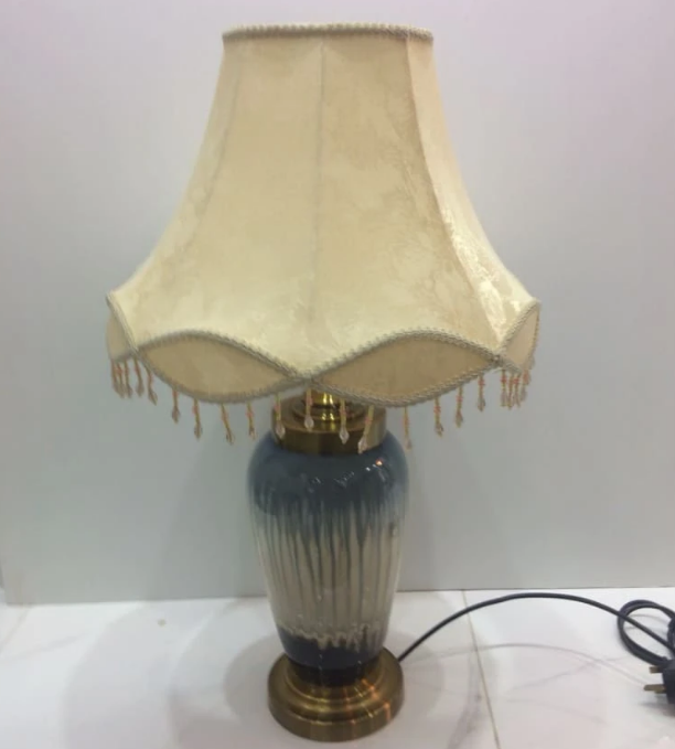 Vintage Victoria Blue & Beige table lamp [RT1222]