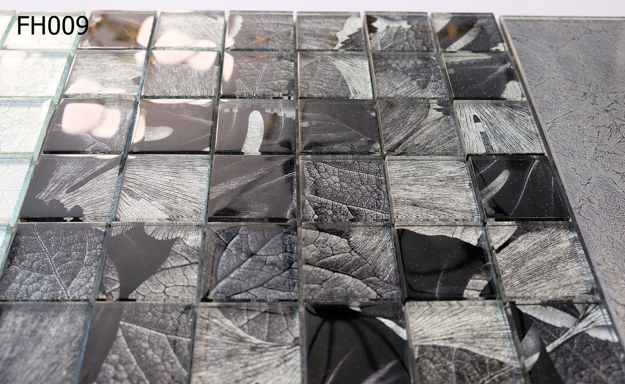 Noir Leaves Glass Mosaic Tiles | 1 sheet 30 x 30 cm | 11 sheets 1sqm