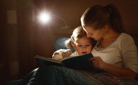 Reading to Toddler Before Bed