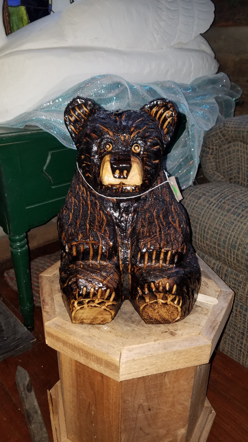 Medium Sitting Bear