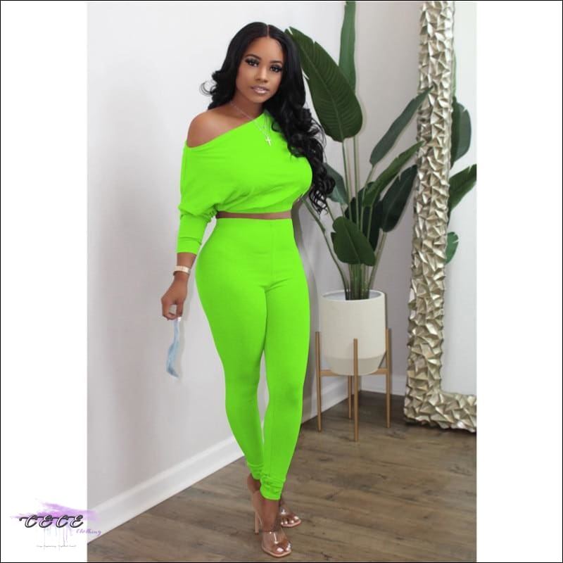 'I Stay In Vogue' Two Piece Off Shoulder Tracksuit