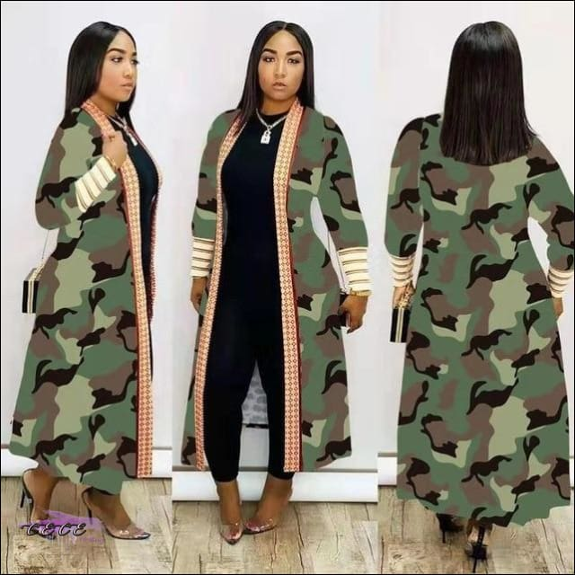 'Im Just Showin Off' Long Threaded Thick Long Cardigan camo / M