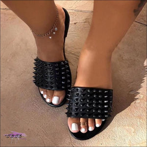 'Made For Cute Toes' Diamond-Studded Spike Slippers Black / 8
