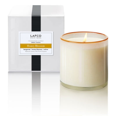 Signature Candle in Honey Blossom