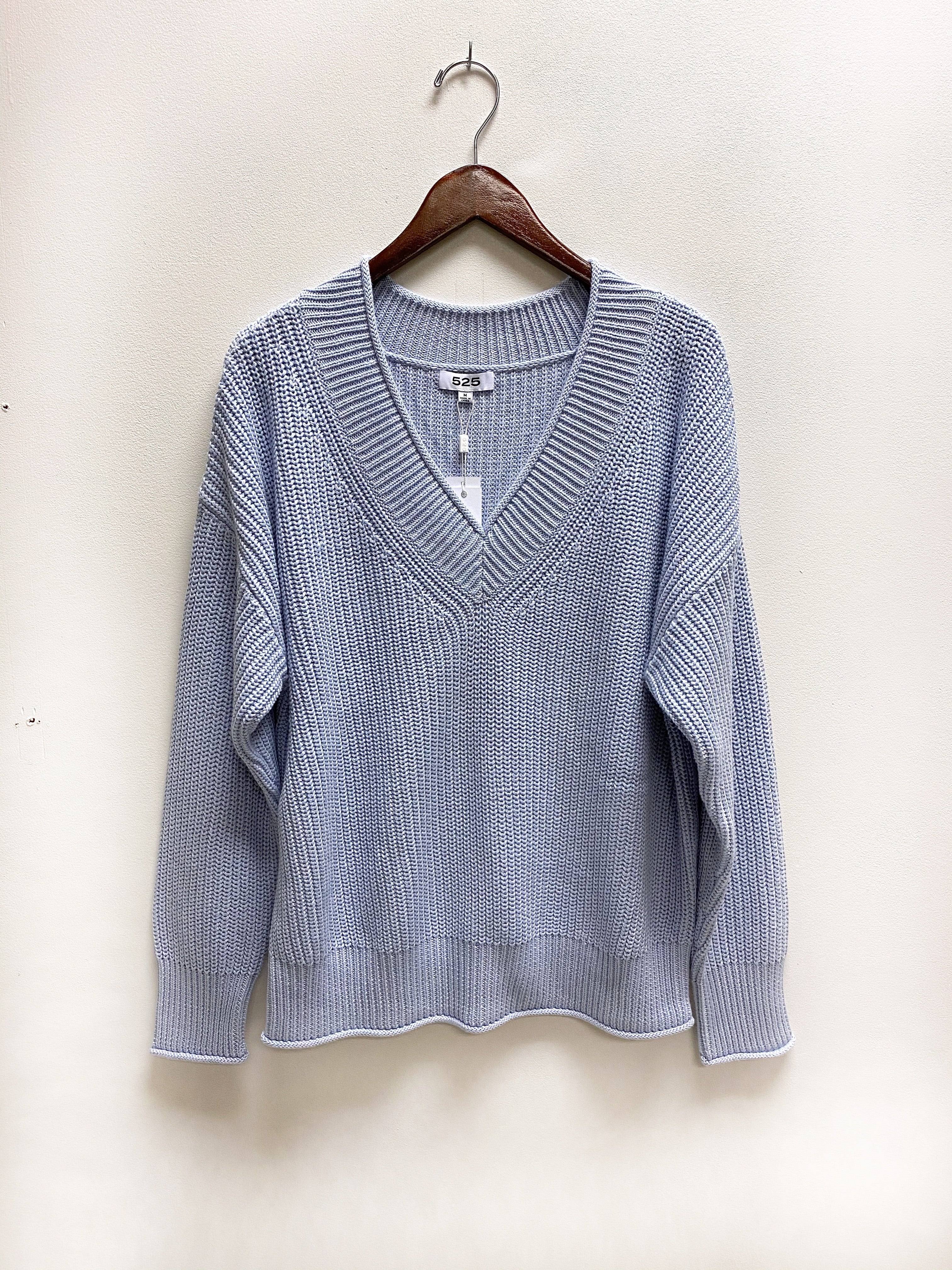 V-Neck Pullover in Ice Blue