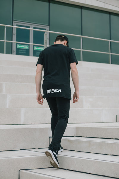Black T Shirt Breach Parrkour Free Running Athlete Walking