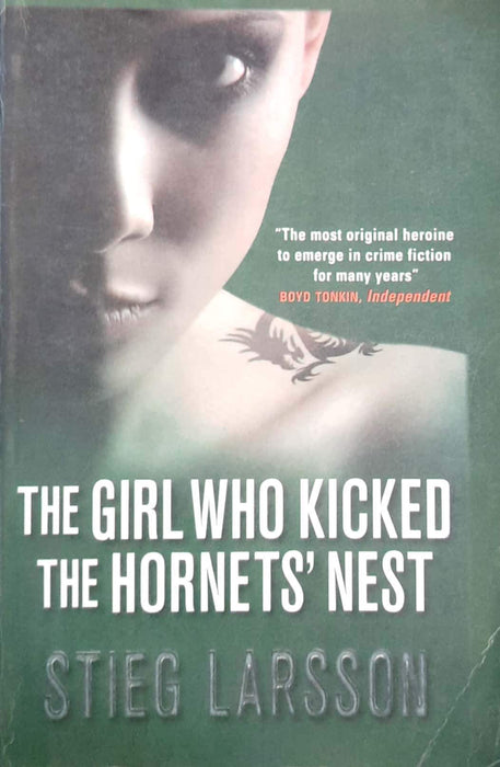 The Girl Who Kicked the Hornet's Nest (Millennium #3) (Premium Edition)