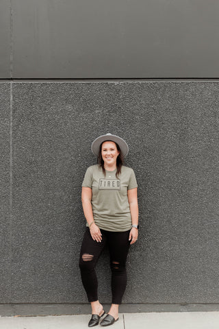 TIRED BOYFRIEND TEE - OLIVE