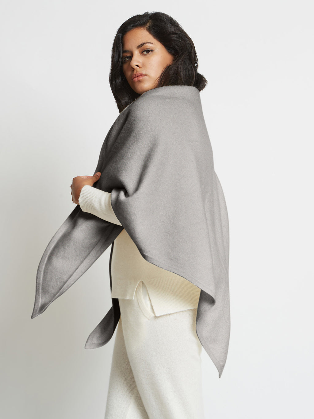 Anna Cashmere Oversized Triangle Scarf | Heather Grey