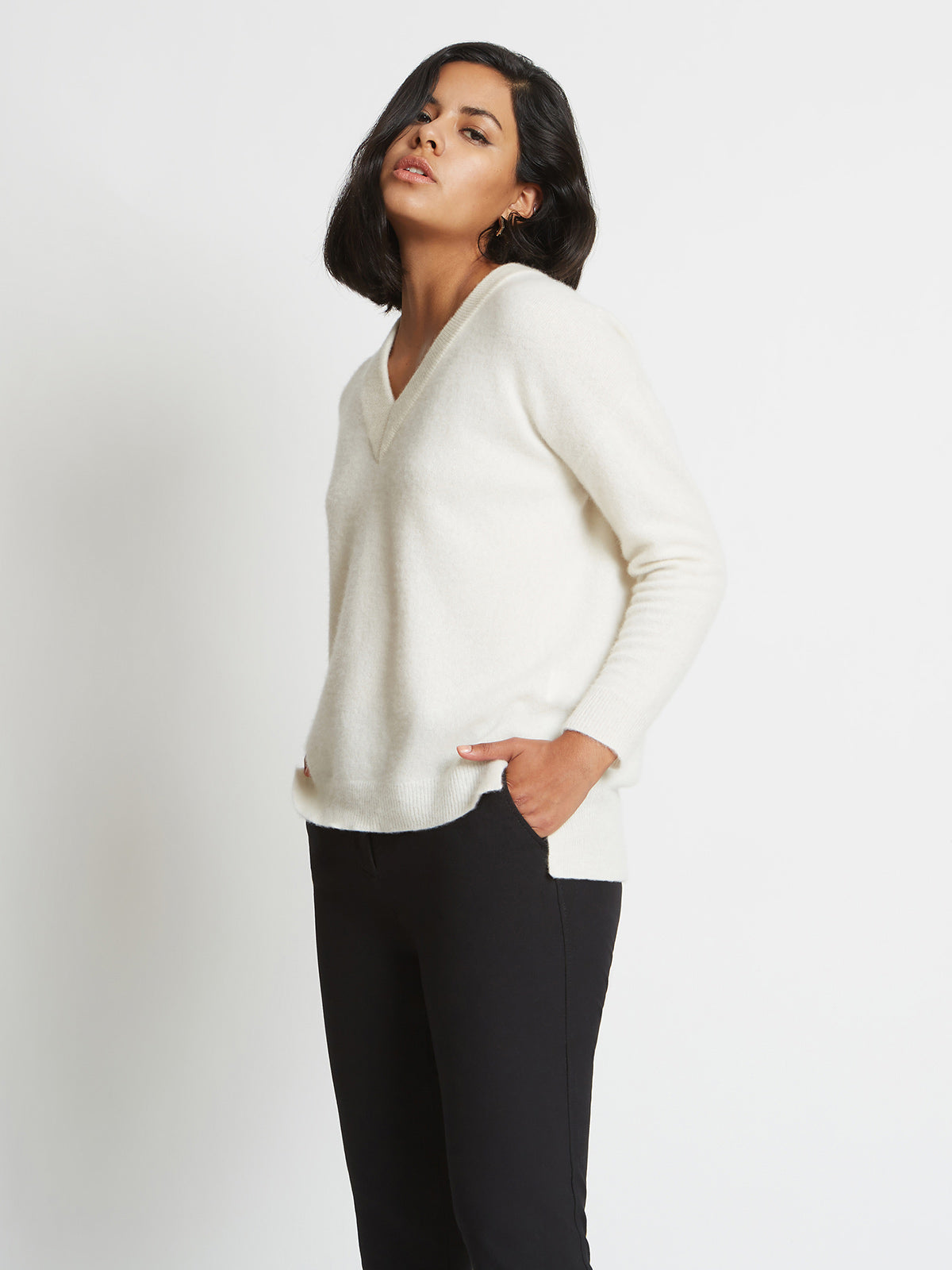 Crista 3D Knitted V-Neck Cashmere Sweater | Sugar