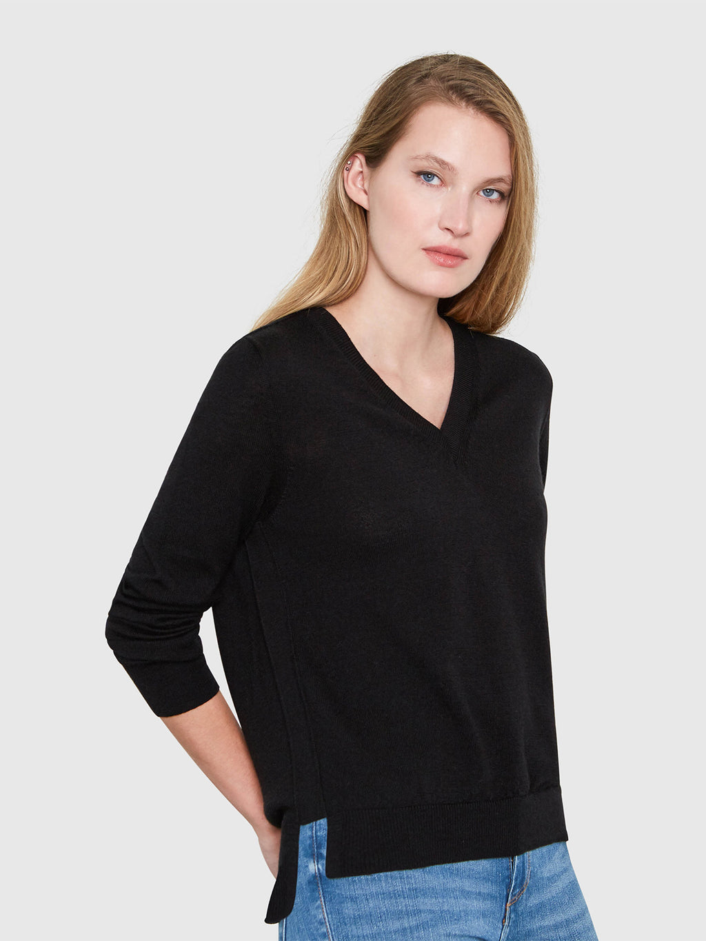 Emma V-Neck Sweater | Black
