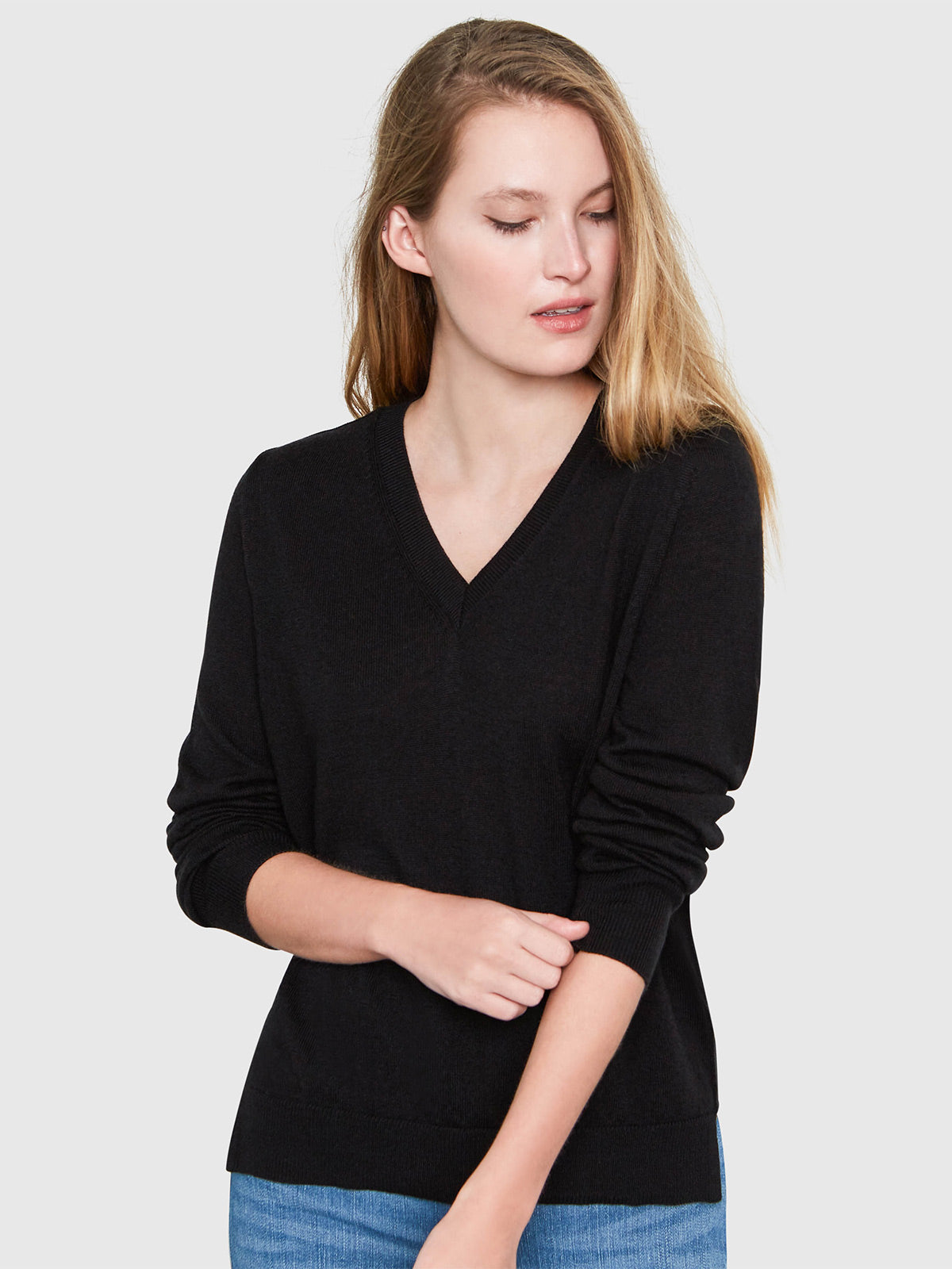 Emma V-Neck Sweater | Black Emma V-Neck Sweater | Black