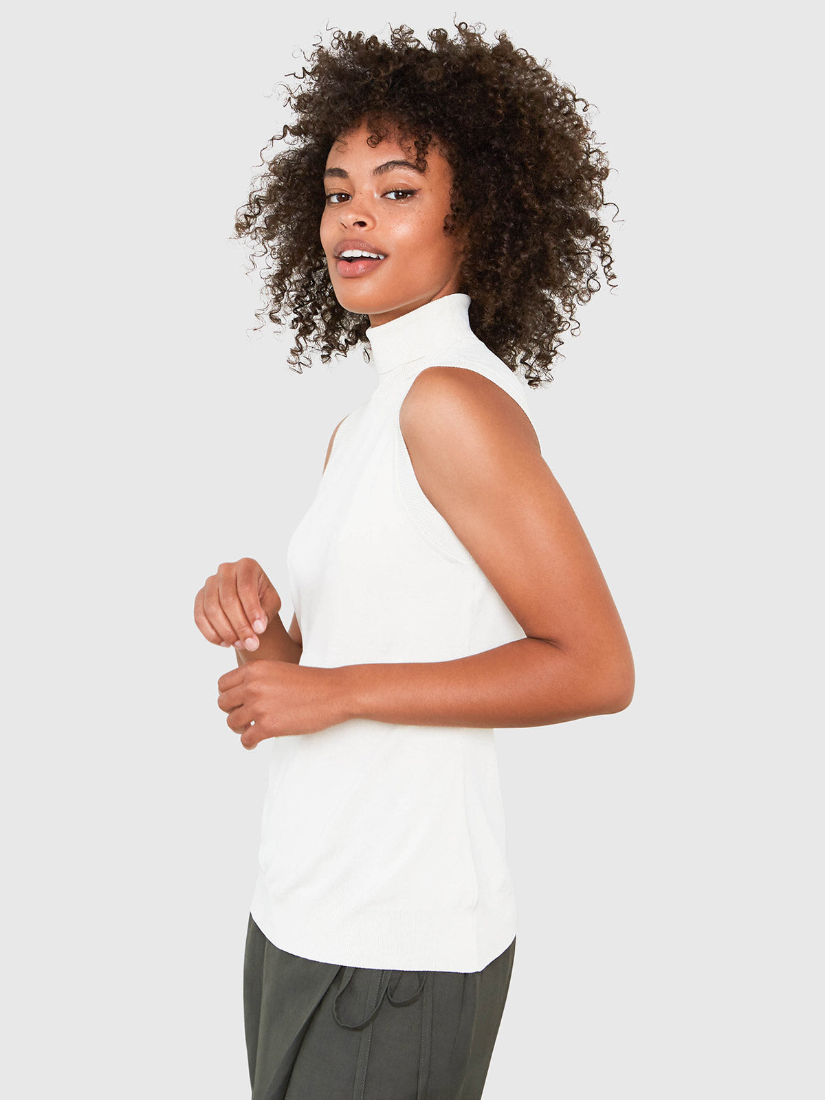 Hepburn Sleeveless Turtleneck Sweater | Cream