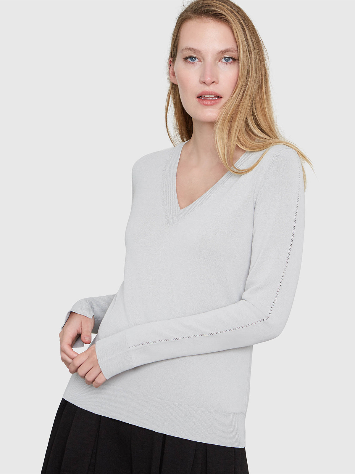 Livia Long Sleeve V-Neck Sweater | Smoke