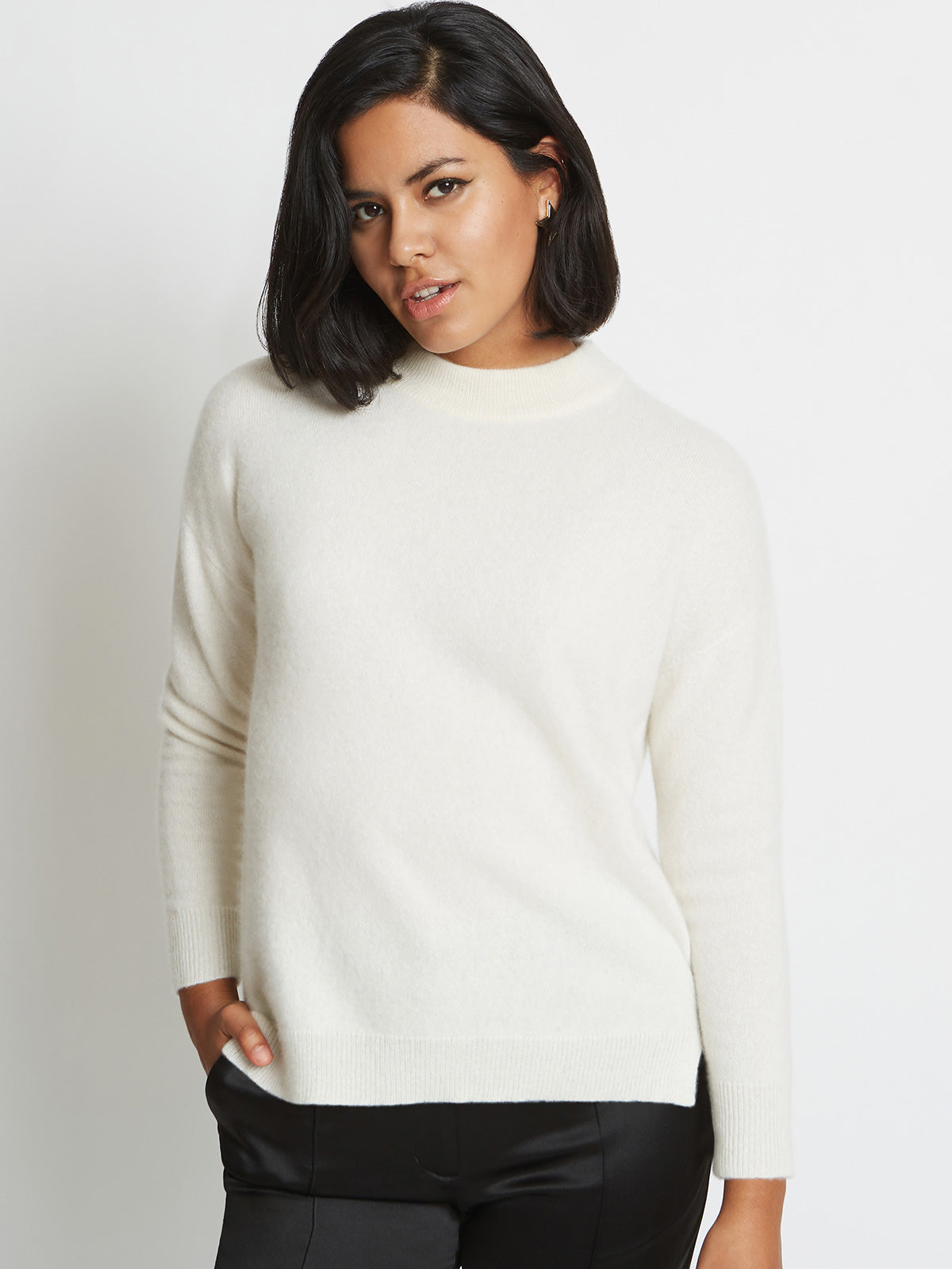 Riley 3D Knitted Cashmere Crewneck Sweater | Sugar