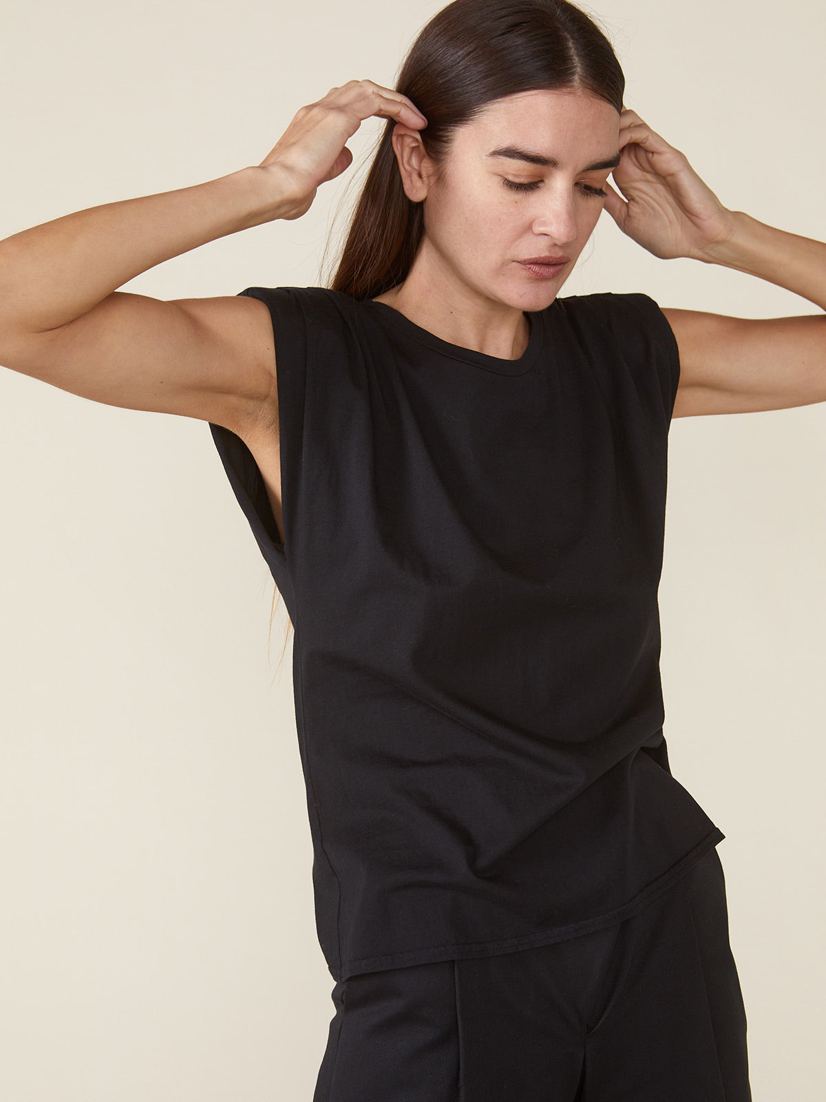 Echo Padded Shoulder Tee | Black Echo Padded Shoulder Tee | Black