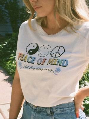 Peace of Mind Smiley Boyfriend Tee Thumbnail - Desert Dreamer