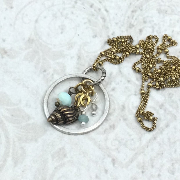 Kesha/Shell & Gemstone Cluster Gold Necklace