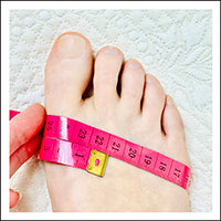 how to measure circumference of foot