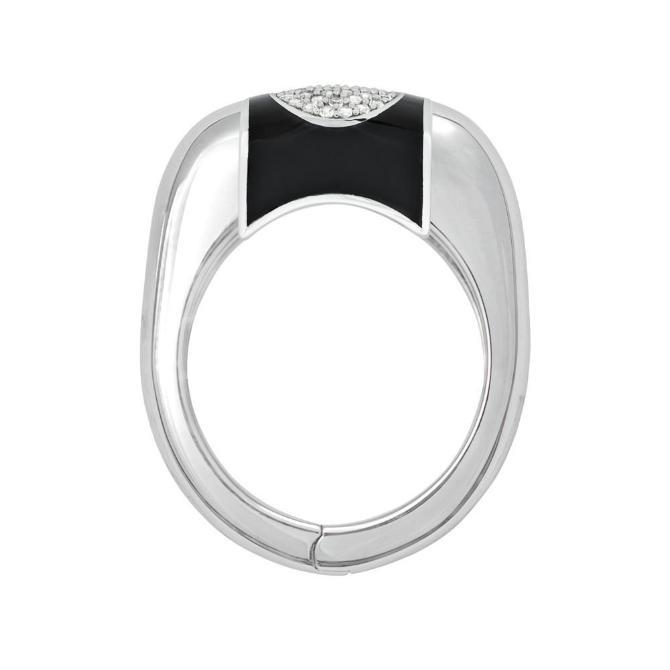 products/genesis_ring_with_black_and_white_sapphire_insert.jpg
