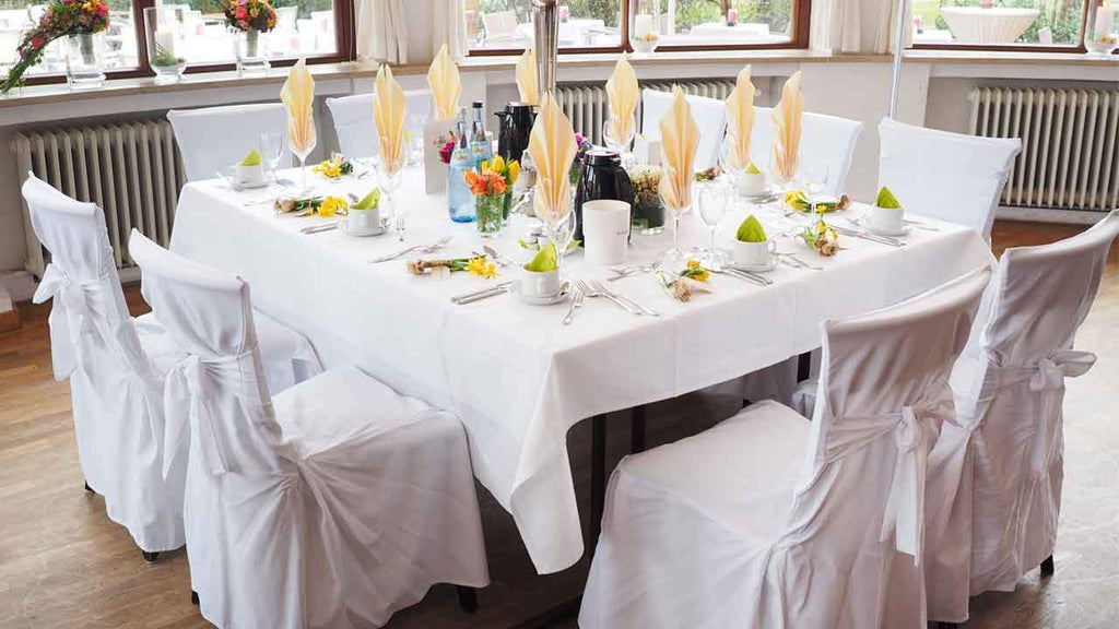 Banquet Vs Folding Chairs How To Choose The Right Chair Cover