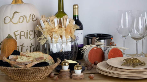 Friendsgiving Table Ideas