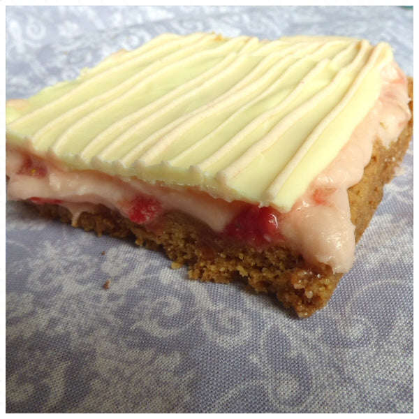 Strawberry Shortbread (Box of 4 or 9) - Clare's Squares - order Traybakes online with free delivery to your door