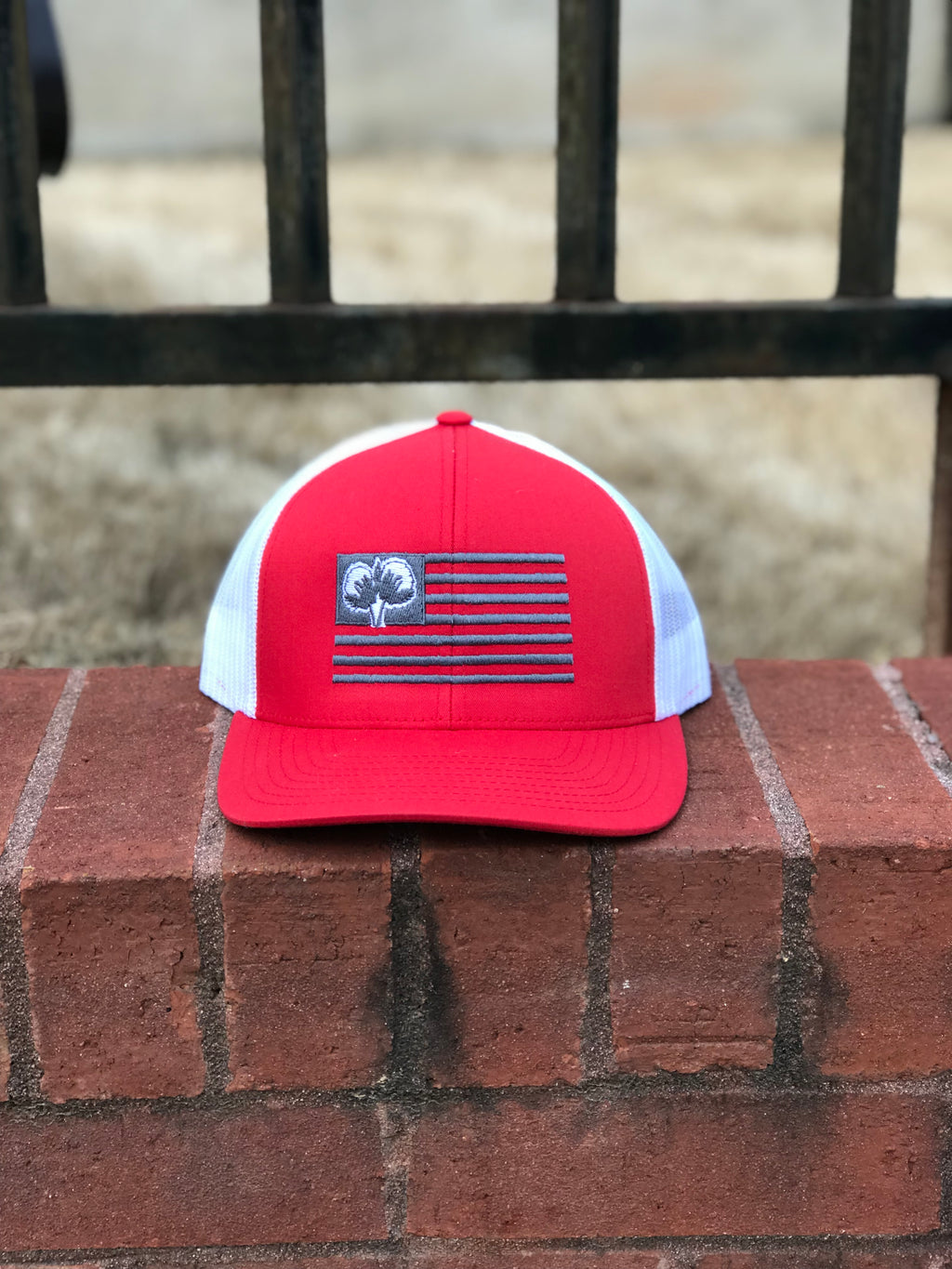 S/Roots Flag Trucker Hat-Red/White