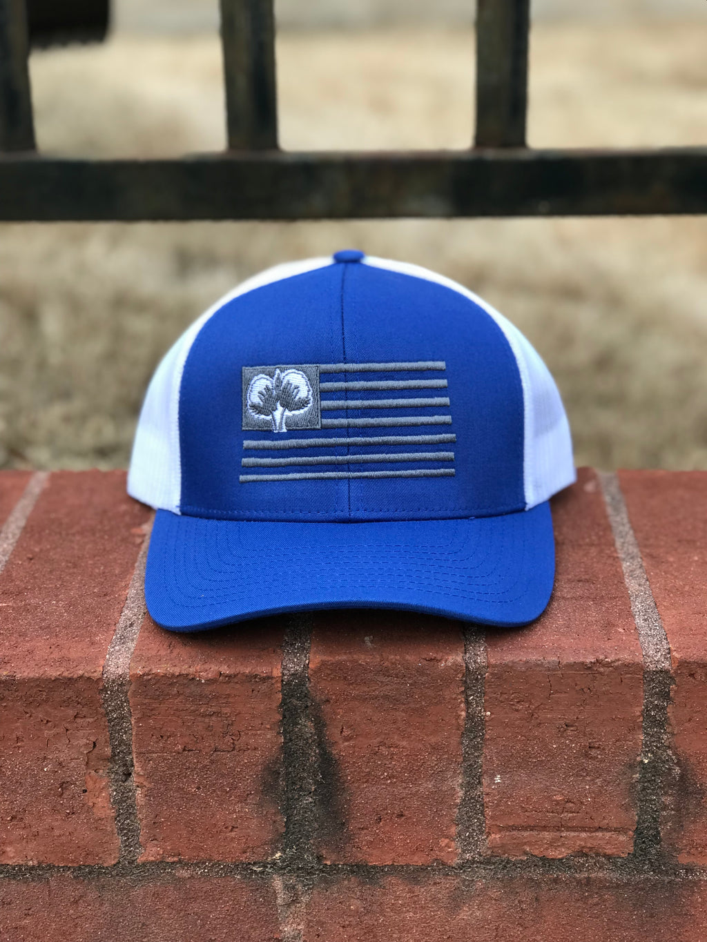 S/Roots Flag Trucker Hat-Royal/White