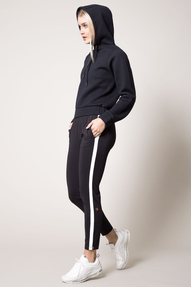 Chamber Cropped Engineered Fleece Sweatshirt