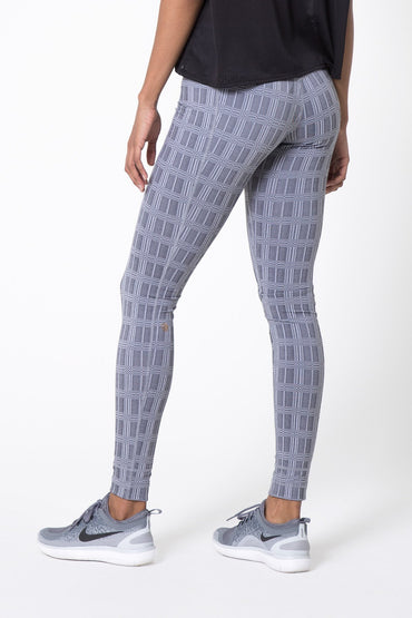 Revitalize Signature Modern Plaid Legging