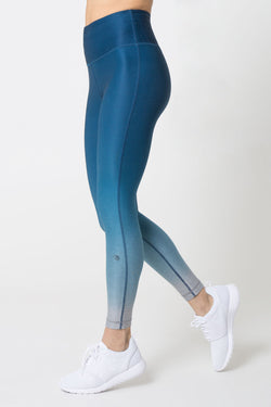 Invigorate High Waisted 7/8 Ombre Legging