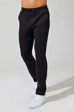 Outgoing Engineered Fleece Slim Leg Pant