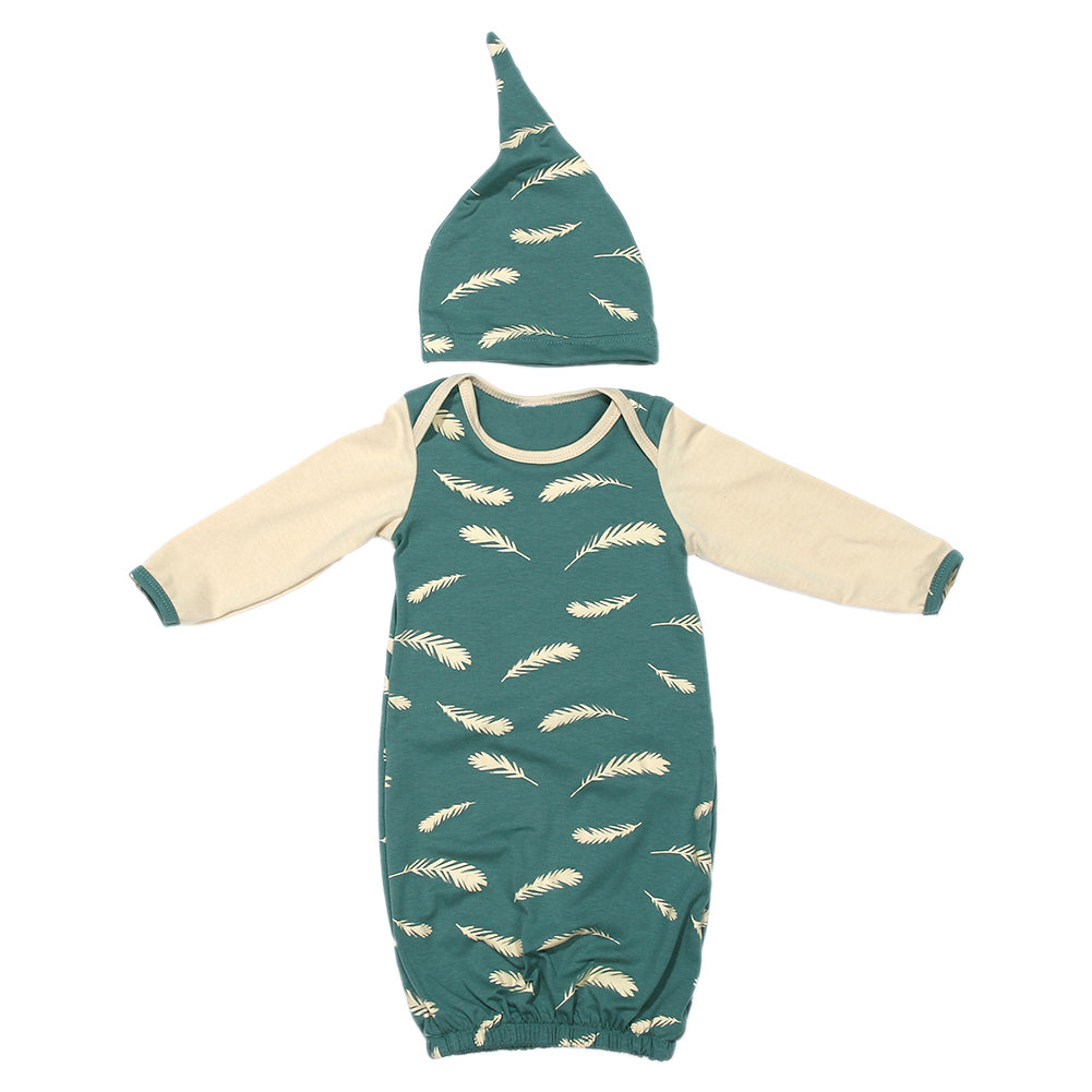 Feather Print 2 Piece Newborn Gown and Hat Set – The Bubbly Baby
