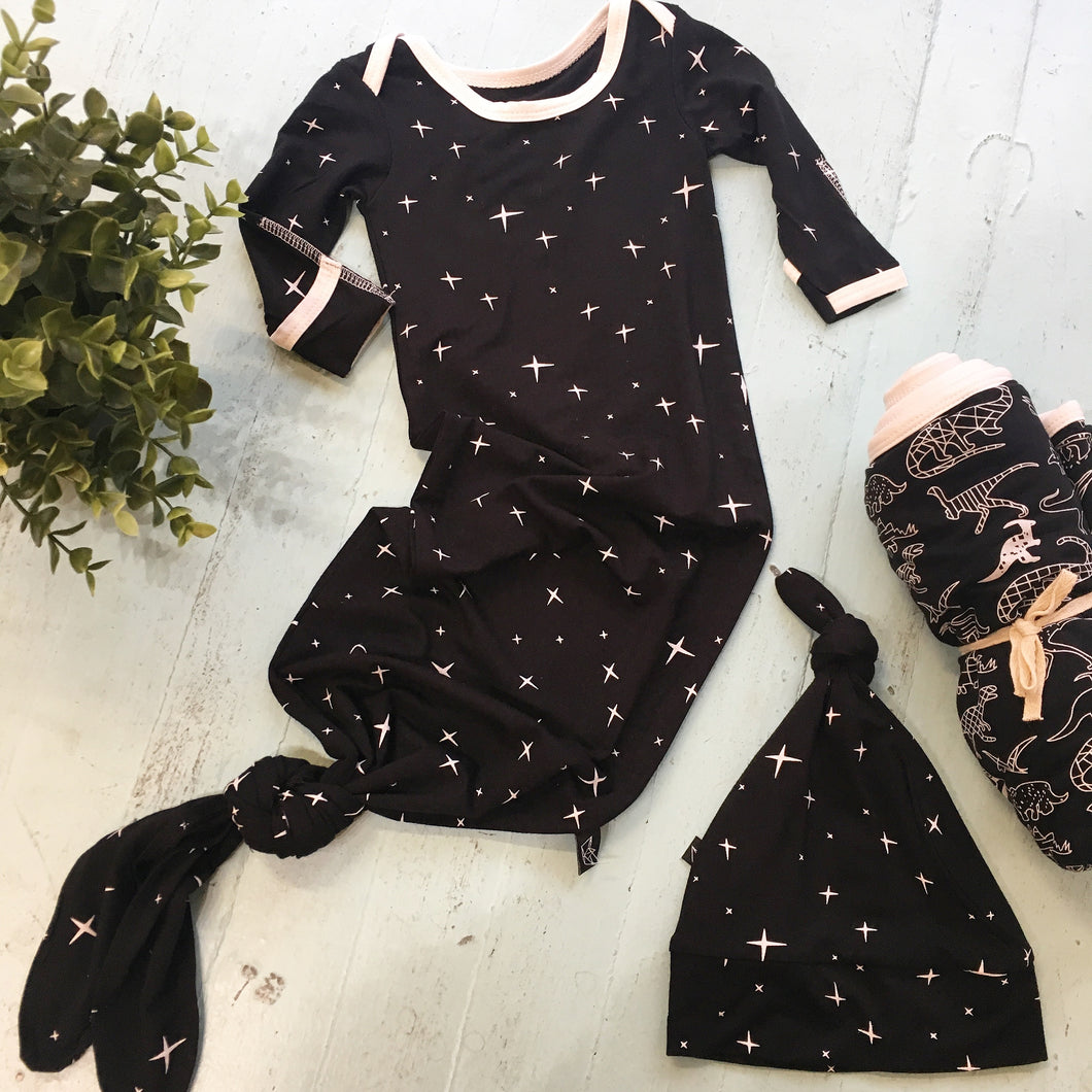 Black Stars Knotted Newborn Gown + Hat