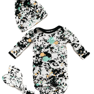 Splatter Paint Bamboo Knotted Newborn Gown + Hat Set