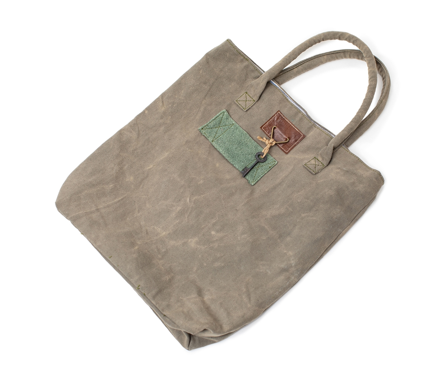 Washed Canvas Tote with Key