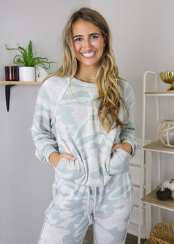 Mariah Super Soft Camo Pullover Top ~