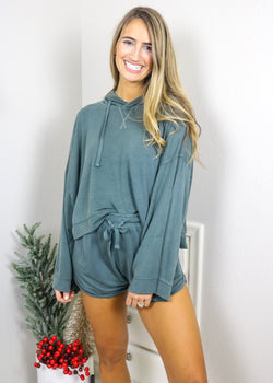 Taking It Easy Cropped Pullover Pullover Mono B