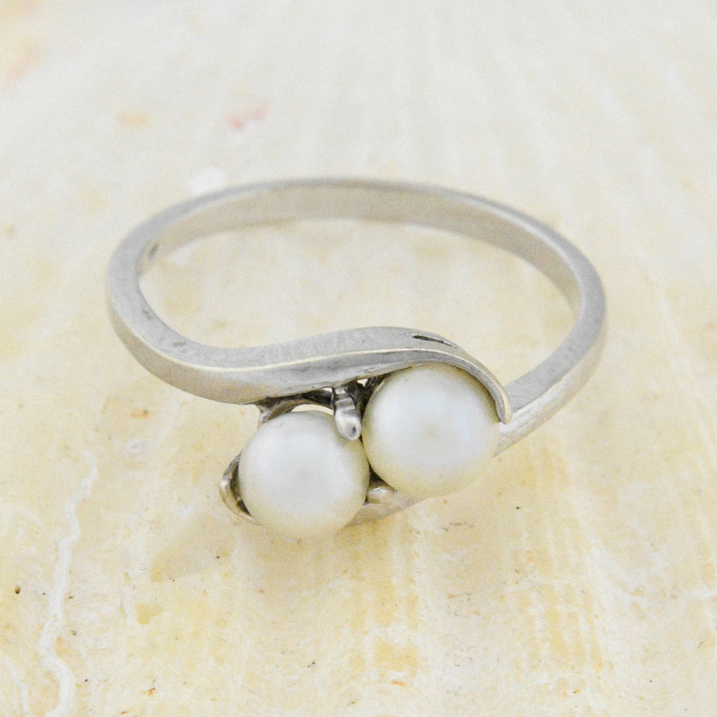 10k White Gold Estate Double/Dual Pearl Ring Size 6.25