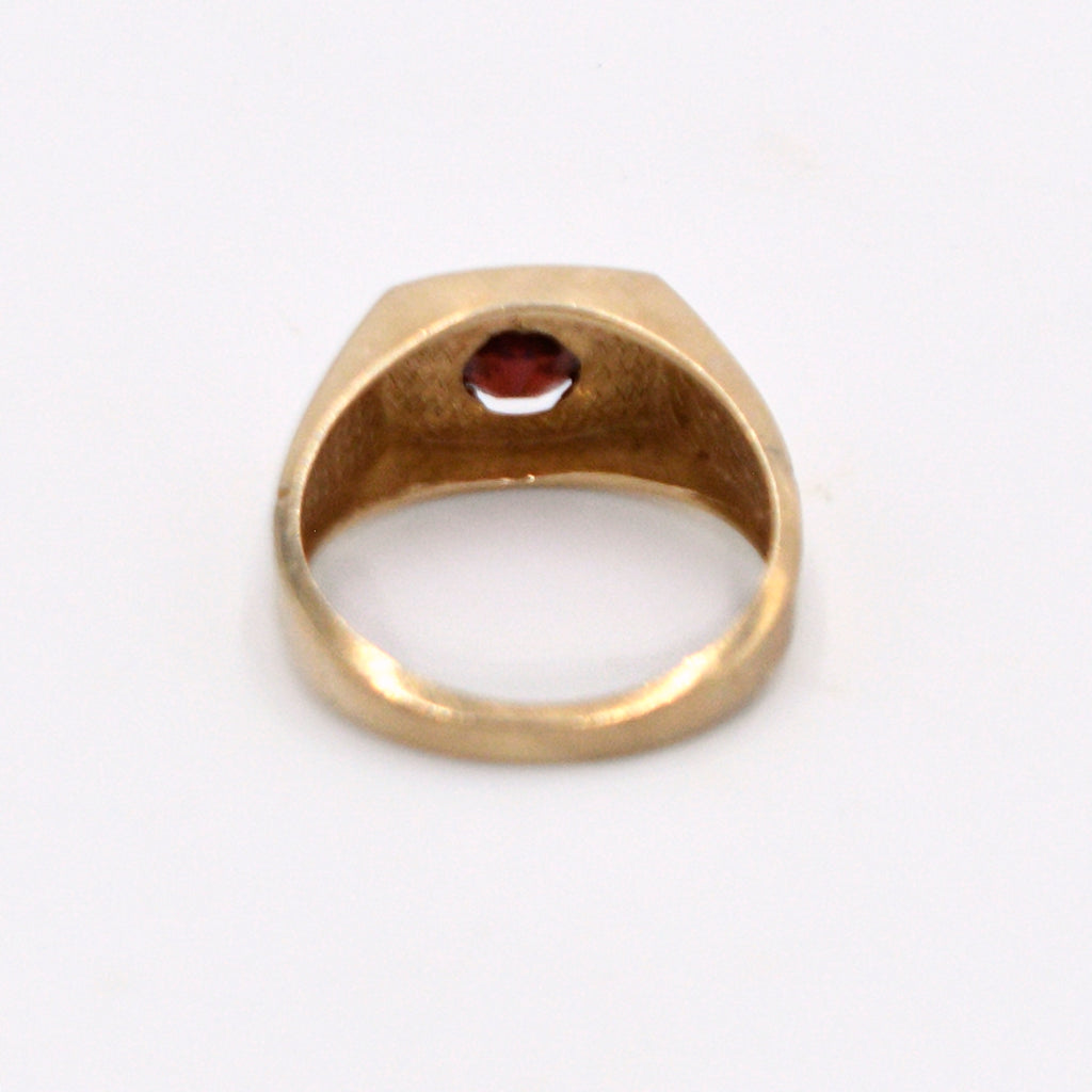 10k Yellow Gold Vintage Garnet Solitaire Ring Size 9.75