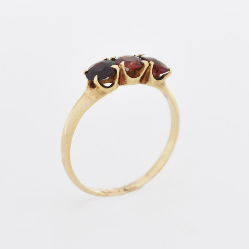 14k Yellow Gold Antique 3 Stone Garnet Band/Ring Size 6